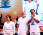 New Delhi:Venkaiah Naidu, Najeeb Jung, Meenakshi Lekhi on International Day of Yoga