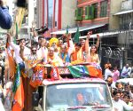 2019 Lok Sabha polls: Manoj Tiwari's roadshow