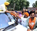 Gurdaspur (Punjab): 2019 Lok Sabha elections - Sunny Deol during a roadshow