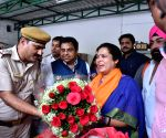 Meenakshi Lekhi wins from New Delhi, receives warm welcome at her residence