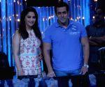Salman Khan & Madhuri Dixit celebrated 25th anniversary of 'Hum Aapke Hain Koun..!'
