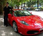 Sharman Joshi promoting Ferrari Ki Sawaari