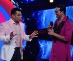 Salman Khan, Akshay Kumar trends on Twitter