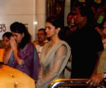 Deepika Padukone visiting Siddhivinayak Temple in Mumbai