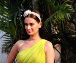 Evelyn Sharma in awe of 'Bahubali' superstar Prabhas