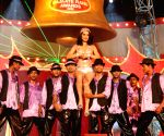 Bollywood actress Kangana Ranaut performing at the Red Fm Bajaate Raho Awards.