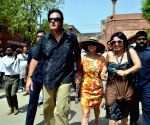 Preity Zinta with her husband Gene Goodenough at the Taj Mahal