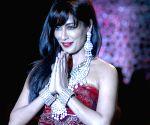 Sonam Kapoor, Chitrangada Singh and models walk the ramp during grand finale at India International Jewellery Week (IIJW) 2013