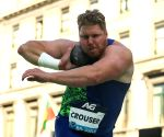 Ryan Crouser breaks world indoor shot put record