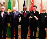 Buenos Aires (Argentina): BRICS Leaders' - group photo