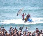 U.S. CALIFORNIA SURFING U.S. OPEN