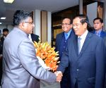 Cambodian PM meets Ravi Shankar Prasad