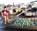 VIETNAM-CAN THO-FLOATING MARKET