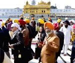 Canadian government delegates visit Golden Temple
