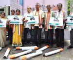 National Cancer Survivors Day - Cancer survivors during awareness drive