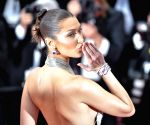 Bella Hadid is the world's most beautiful woman, says science