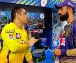 Free Photo: Chakravarthy takes tips from MS post CSK-KKR game