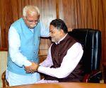 Haryana CM escorts Haryana Ministers to their seats