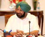 Punjab CM conferred with 'Adarsh Mukhya Mantri Puraskar'
