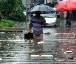 Changsha City: A rainstorm hit the city on Tuesday and the local meteorological authority issued a blue warning against rainstorm
