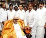 Vijaykanth meets DMK president M. Karunanidhi