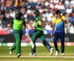 South Africa coast to 9-wicket win over Sri Lanka