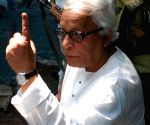 Chief Minsiter Budhadeb Bhattachrya showing his finger after casting his vote on the Parliamentary Election day on 13th May 2009.