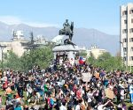 Chileans take to streets to protest for 15th consecutive day