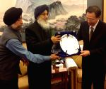 Punjab CM meets Governor of Chinese province