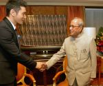 Chinese actor calls on President Pranab Mukherjee