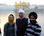 Chinese envoy visits Golden Temple on Guru Nanak's 550th birth anniversary