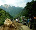 NEPAL CHITWAN PRITHVI HIGHWAY LANDSLIDE TRAFFIC JAM