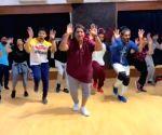 Ganesh Acharya dances to Jackky, Hrithik, Tiger's songs