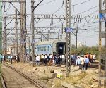 Engine 'runs' away without train in Maharashtra!