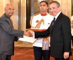 Colombian Ambassador designate presents credentials to President Kovind
