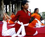 SRI LANKA COLOMBO YOGA