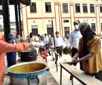 Free Photo: Bihar: Community kitchens feeding poor people in lockdown.