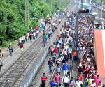 Commuters at Bidhannagar railway station during 'Bharat Bandh