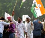 Cong workers protest over RJD alliance in Delhi