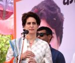 Unnao (UP): 2019 Lok Sabha elections - Priyanka Gandhi campaigns for Congress candidate Anu Tandon