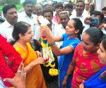 Karnataka by polls - Anitha Kumaraswamy at  a polling booth