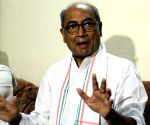 Congress move to field Digvijaya hints at tough fight