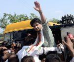 Dhodar (Madhya Pradesh): Jyotiraditya Scindia detained on way to Mandsaur