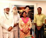 Akhil Bhartiya Ravidassia Dharam Sangathan President meets Priyanka Gandhi