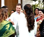 Sonia Gandhi, Rahul Gandhi meet AIMC office bearers