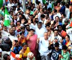 Congress leaders campaign for BK Hariprasad