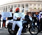 Congress protest against wheat scam in Punjab