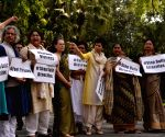 New Delhi: Parliament - Opposition legislators' protest
