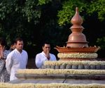 Rahul Gandhi, Priyanka Gandhi Vadra pay homage to Rajiv Gandhi on death anniversary