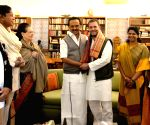 Stalin greets Sonia on birthday